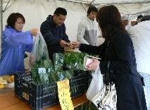 JA 海部東農業協同組合(あまひがし) -地元野菜の即売で農協をPR