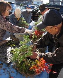 JA 海部東農業協同組合(あまひがし) -新年の願いこめ「松竹梅」を飾る