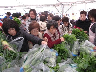 JA 海部東農業協同組合(あまひがし) -野菜即売で地域貢献
