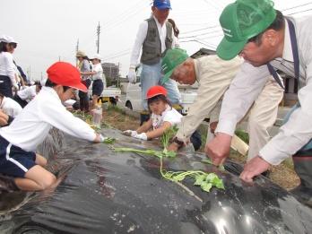 JA 海部東農業協同組合(あまひがし) -農業体験学習始まる