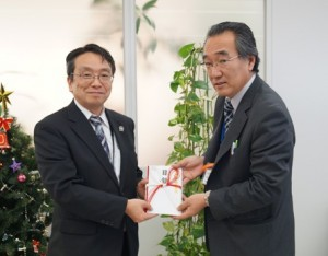 JA 海部東農業協同組合(あまひがし) -愛知県信連より福祉機器を受け取る