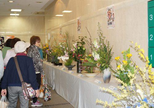 JA 海部東農業協同組合(あまひがし) -憩いの場に華を添える