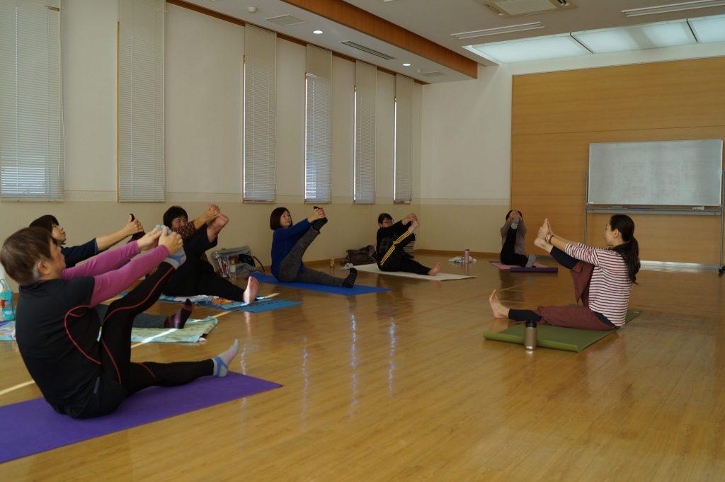JA 海部東農業協同組合(あまひがし) -健康体操で体を柔らかく!