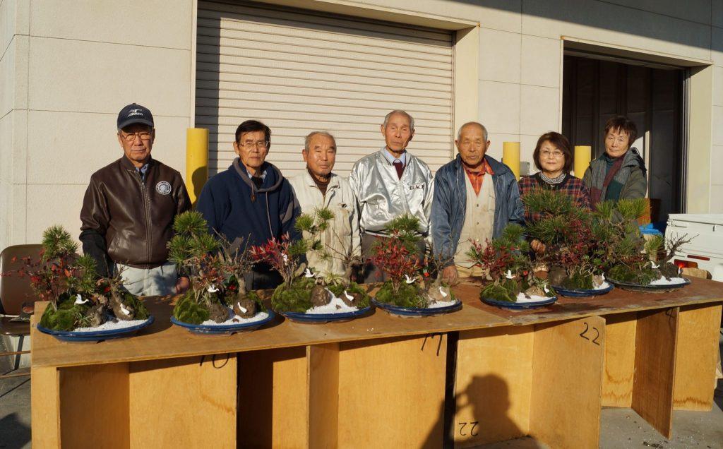JA 海部東農業協同組合(あまひがし) -壮年者友の会 松竹梅で新年の飾りつけ