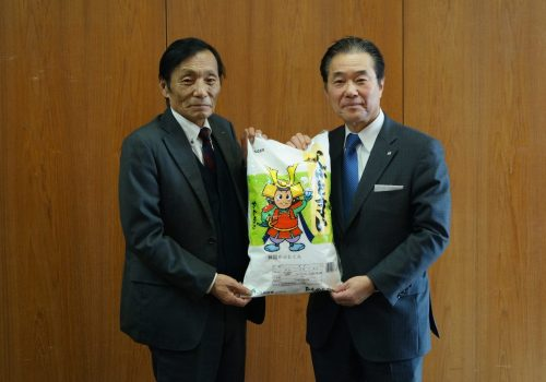 JA 海部東農業協同組合(あまひがし) -かぶとまい寄贈 地元のお米を学校給食に