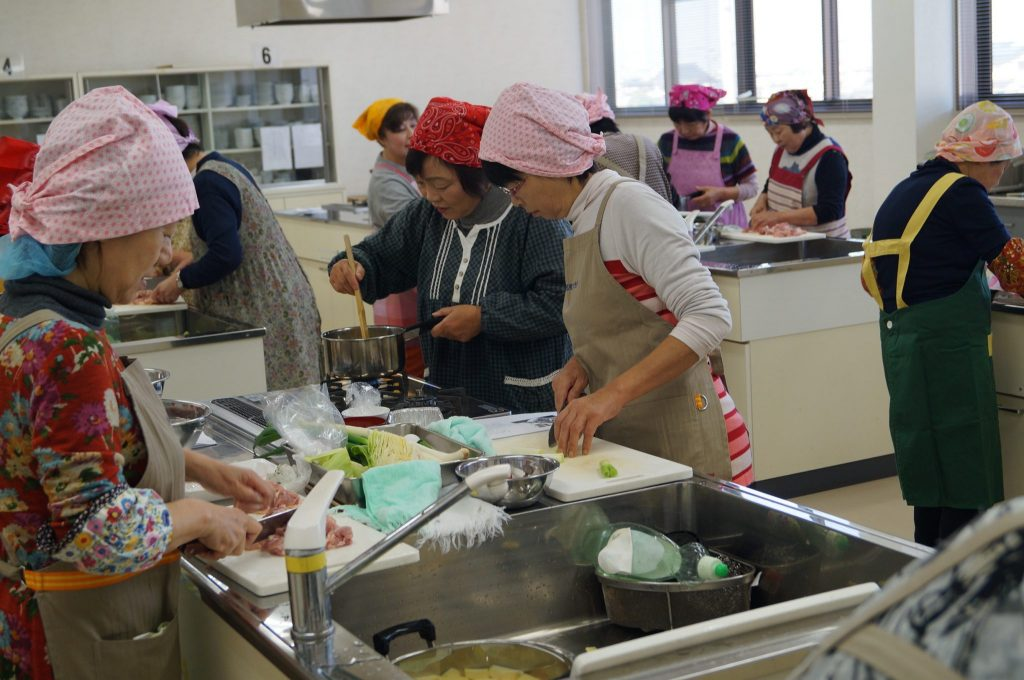 JA 海部東農業協同組合(あまひがし) -収穫したサツマイモを使って調理