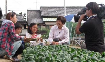 JA 海部東農業協同組合(あまひがし) -「ごはんの学校」でコマツナを紹介