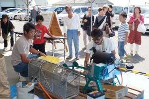 JA 海部東農業協同組合(あまひがし) -グリーンプラザ大売出しで青年部がポン菓子無料配布を行う