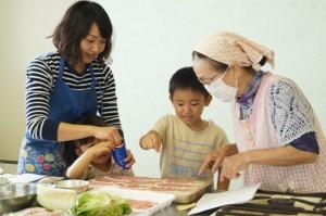 JA 海部東農業協同組合(あまひがし) -自分で収穫したサツマイモを親子で協力して調理