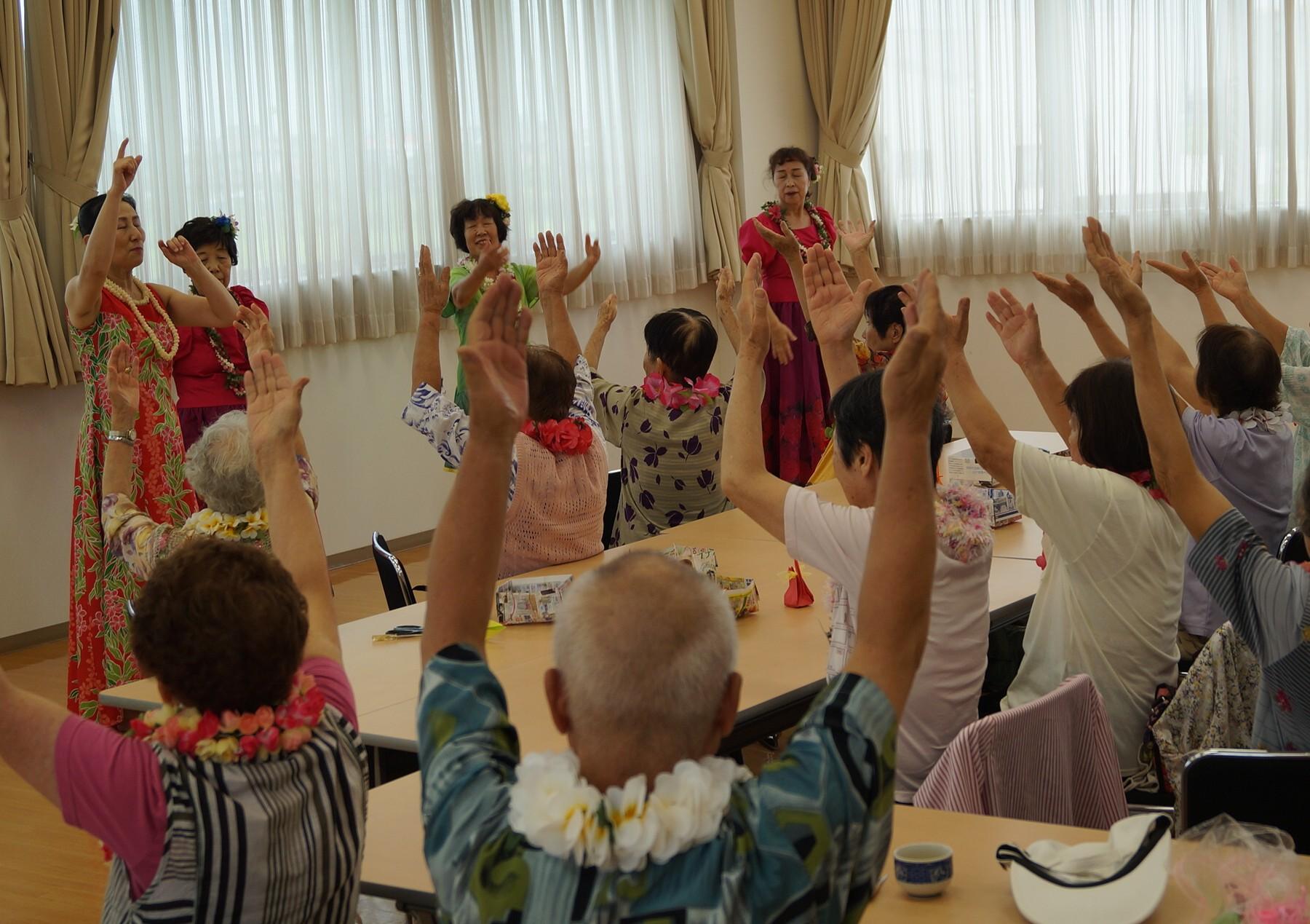 JA 海部東農業協同組合(あまひがし) -なの花の会 フラダンスで気分は南国