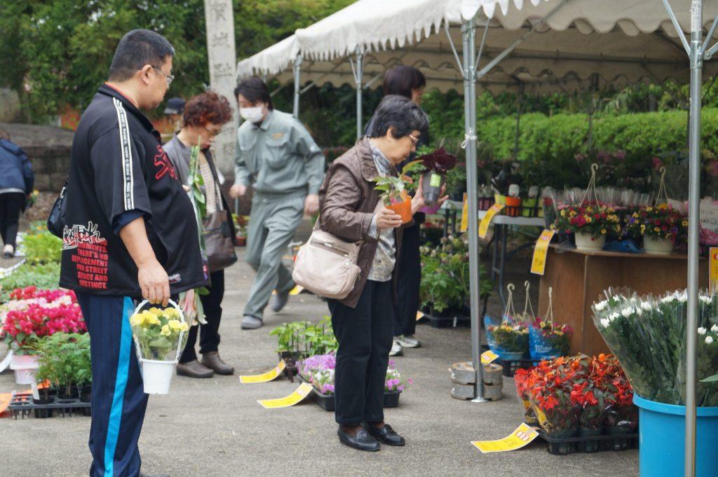 JA 海部東農業協同組合(あまひがし) -あま市花き園芸組合 地域密着の花き即売会