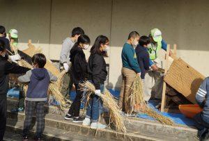 JA 海部東農業協同組合(あまひがし) -青壮年部・伊福保全会 昔ながらの技法で脱穀・籾摺り体験