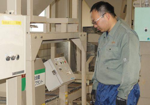 JA 海部東農業協同組合(あまひがし) -育苗センター 平成29年産米の播種始まる