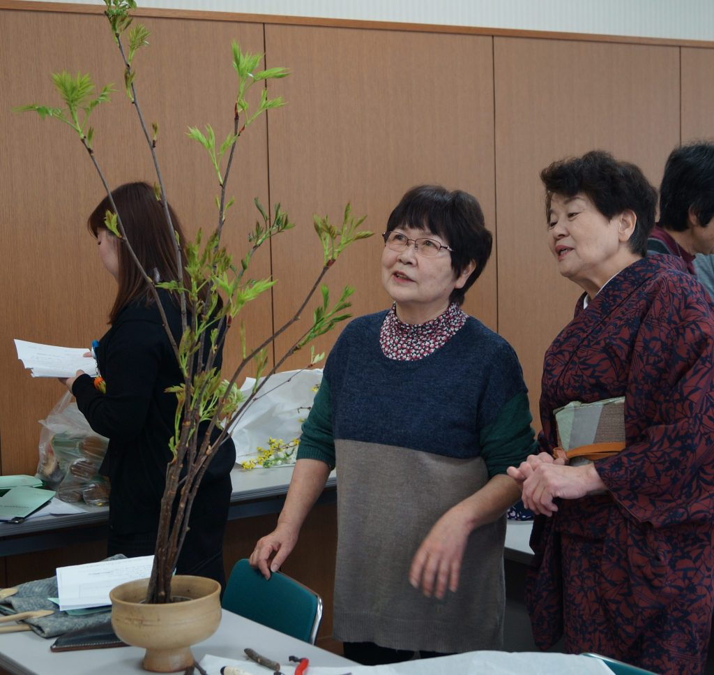 JA 海部東農業協同組合(あまひがし) -春らしい生け花を楽しむ