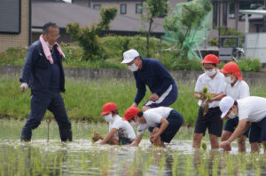 "JA 海部東農業協同組合(あまひがし) -毎日の""食料""に感謝を 小学校田植え体験"
